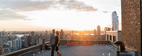 creative proposal ideas New Yor. Marriage proposal on private rooftop